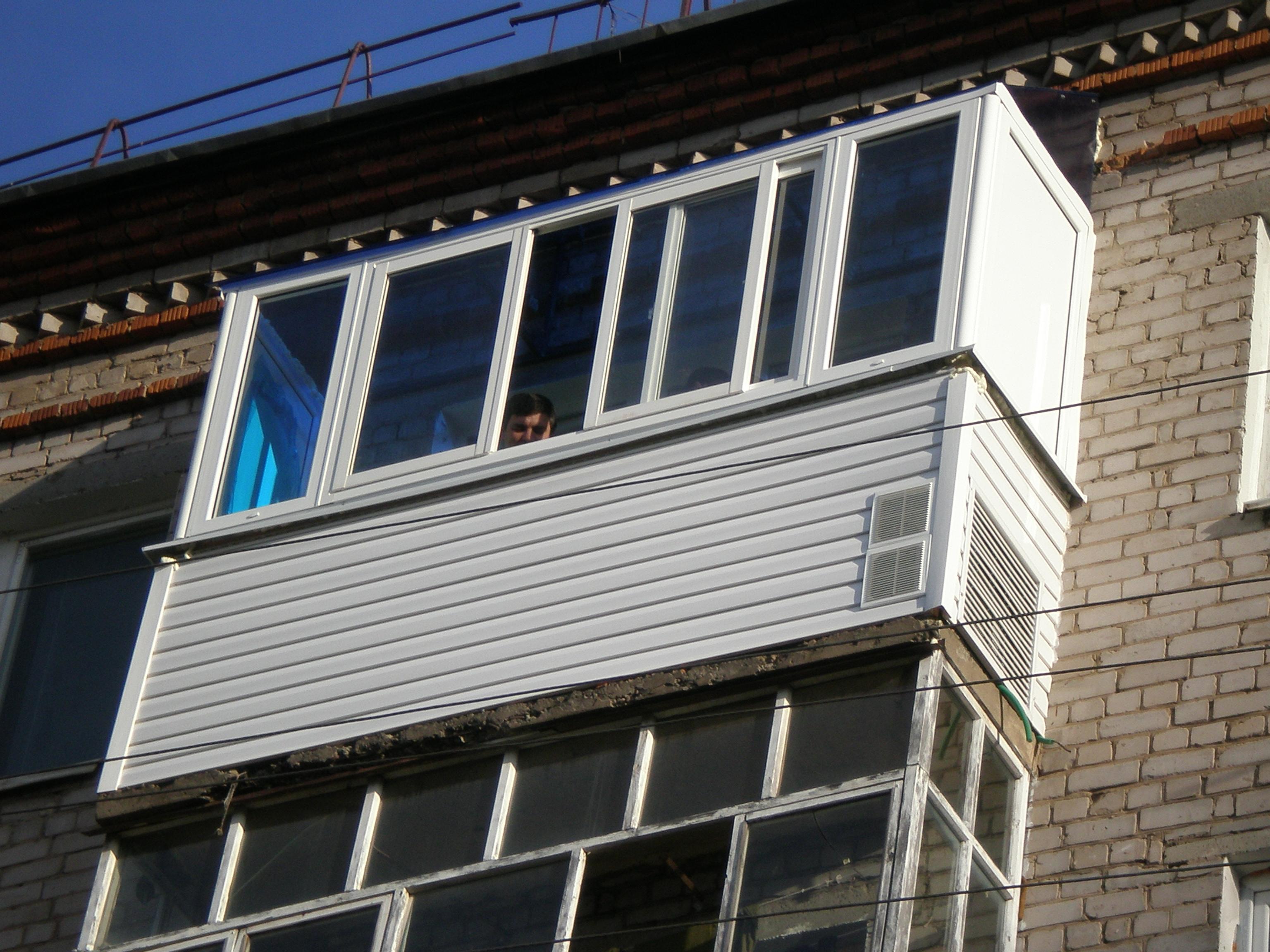 ПВХ профиль SLIDORS для изготовления раздвижных конструкций для остекления балконов и лоджий